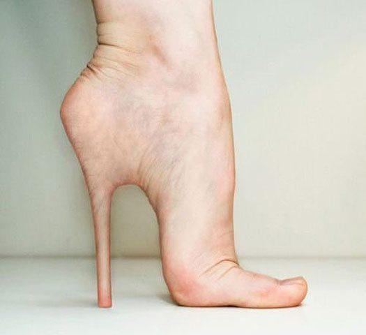 f8fcb4666 Salto alto pode prejudicar pés, coluna, joelhos e quadris – O Paraná
